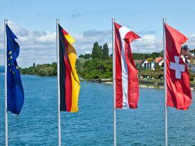 141230_Flagge-EU-Deutschland-Österreich-Schweiz